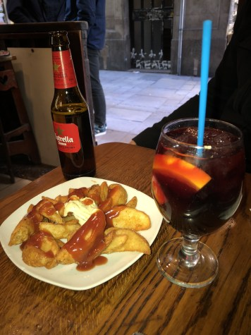 10 BEST PLACES TO EAT AND DRINK IN BARCELONA