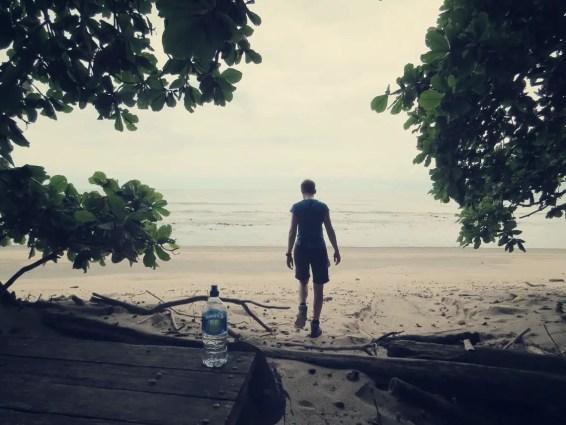 Am Strand angelangt