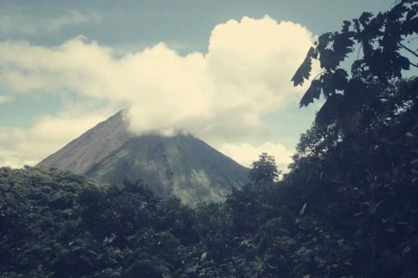 Oben angekommen, bot sich diese Sicht auf den Volcán Arenal