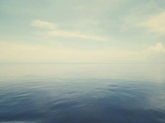 Es wehte kein Lüftchen auf dem Meer.