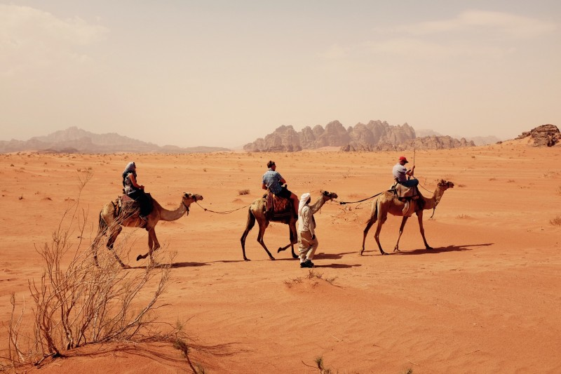 Kamelritt durch Wadi Rum, Jordanien
