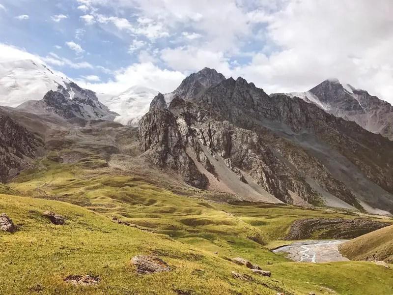Aussicht auf dem Jukku Barskoon Trek in Kirgistan