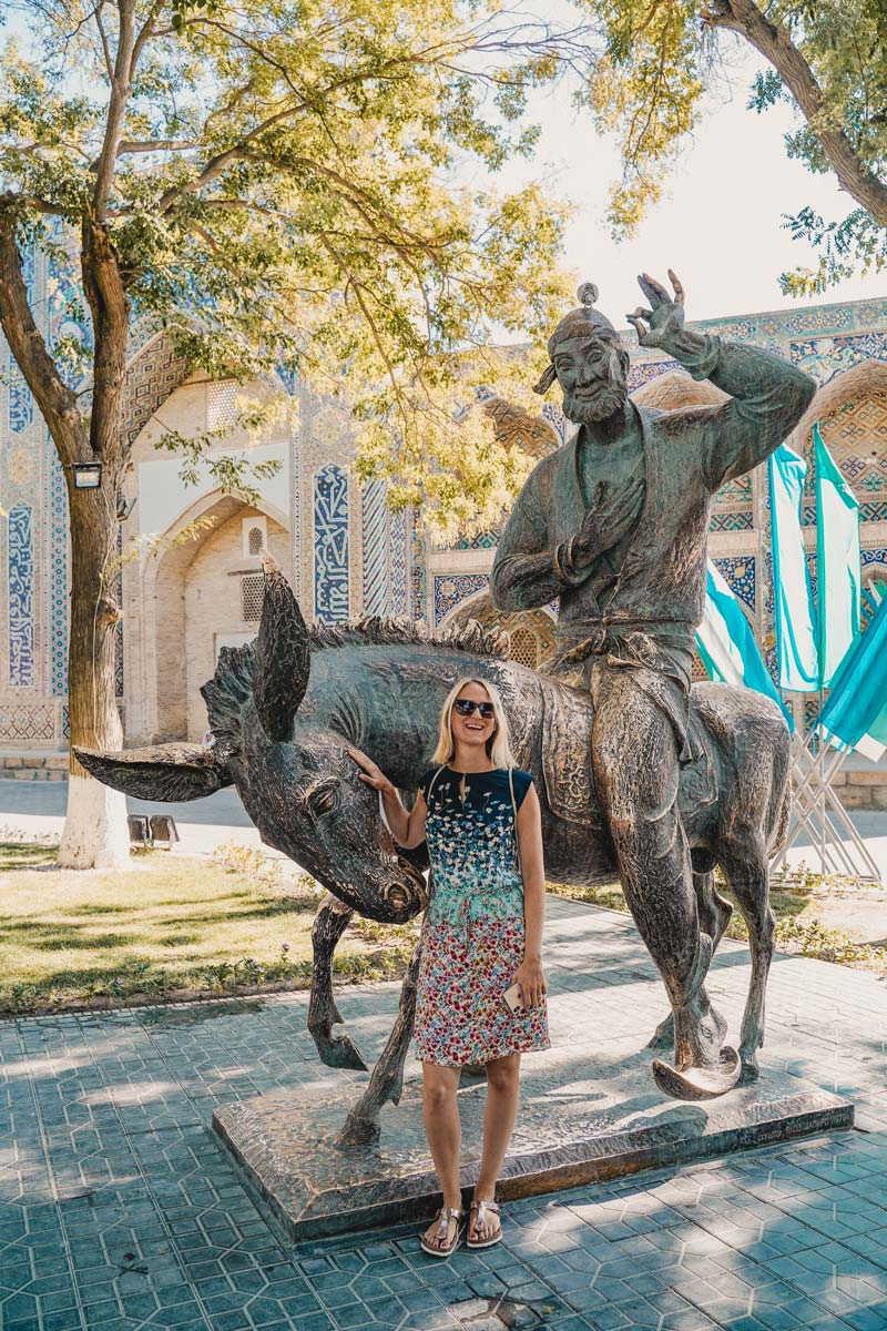 Bukhara Photospot: Nasreddin Statue
