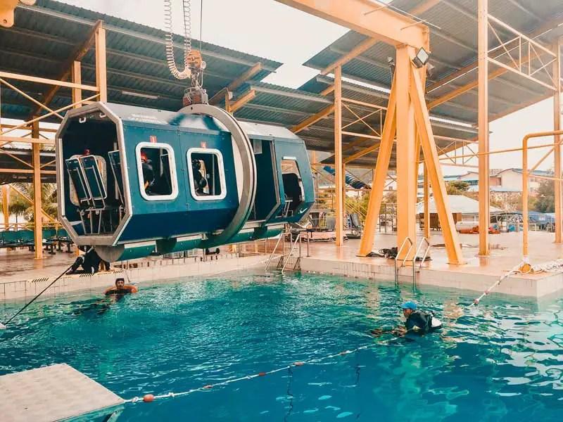 Flughafen BER Berlin Survival Training