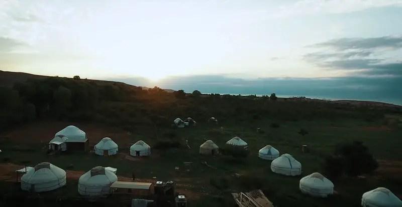 Kirgistan Drohnenvideo Almaluu Yurt Camp