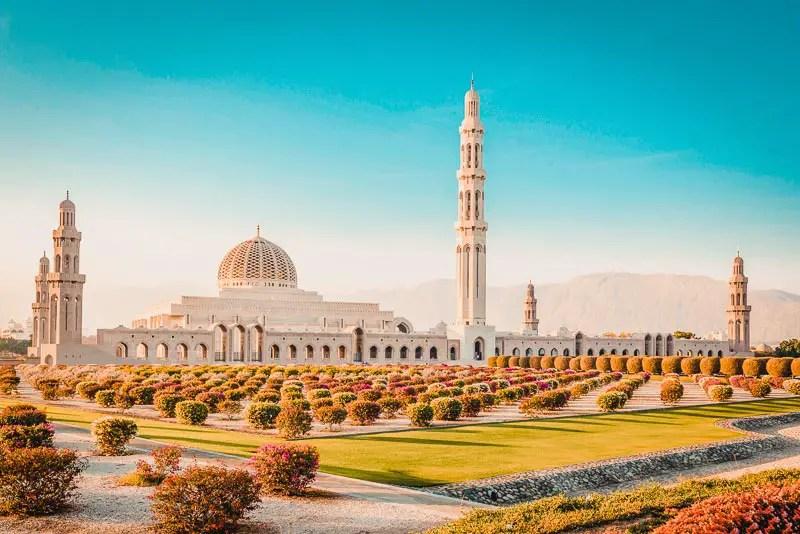 Sultan Quabus Moschee – Maskat Sehenswürdigkeiten & Reisetipps