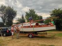 "Herbert ""kontrolliert"" ein Segelboot am Wolfgangsee"