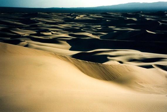 mongolia travel blog - gobi desert