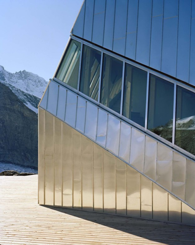Architecture_Monte_Rosa_Hut_Bearth_Deplazes_Architekten06-1050x1321
