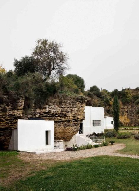 Architecture_CasaTierra_UMMOEstudio_03-1050x1452