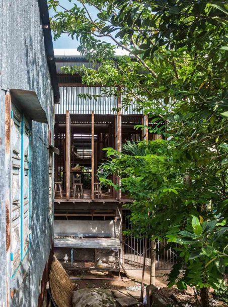 iGNANT_Architecture_House_In_Chau_Doc_NISHIZAWAARCHITECTS_8-1050x1410