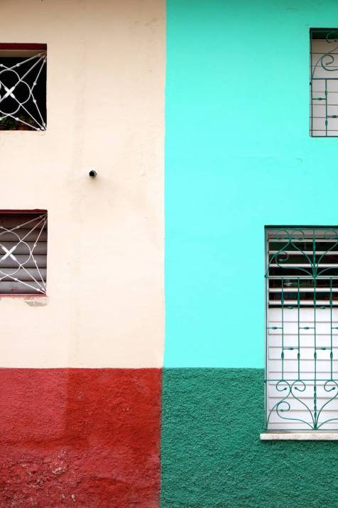 beautiful-colors-and-geometry-of-the-cuban-architecture-25-900x1350