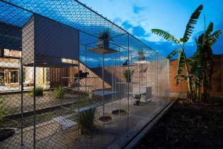 tropical-space-chicken-house-141