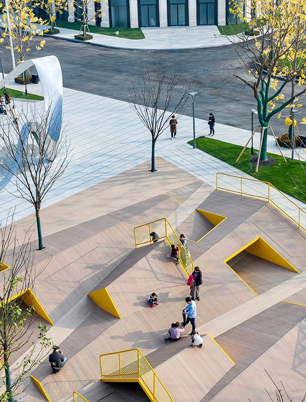 THE FOLDS Playground, Atelier Scale