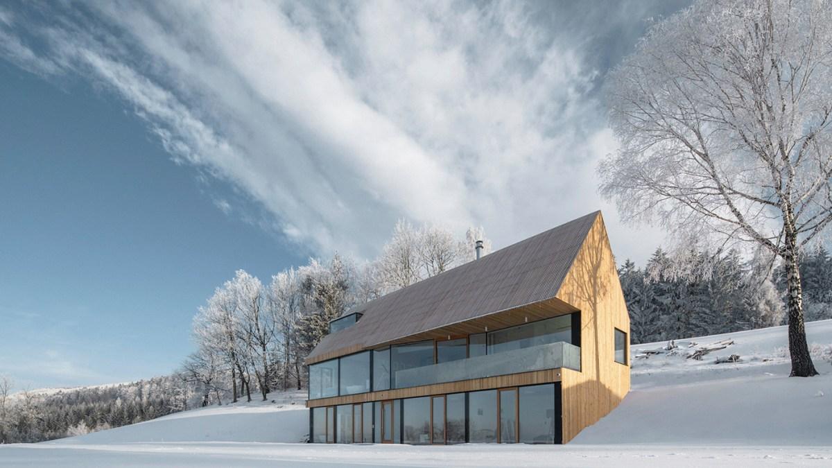 HOUSE in KRKONOŠE, progettata da Fránek Architects