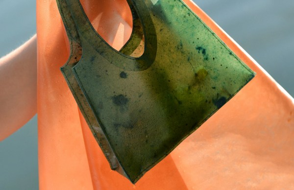 SONNET155, la temporary handbag biodegradabile