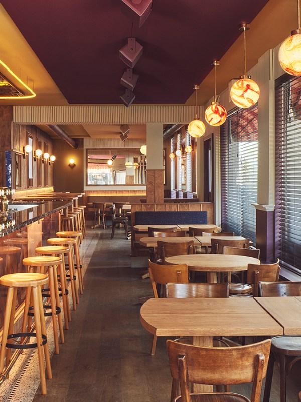 ARIE, il brown café firmato Studio Modijefsky