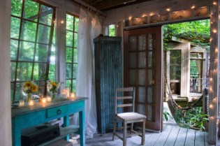 Secluded-Intown-Treehouse_3-640x426