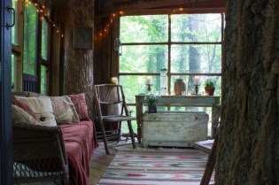 Secluded-Intown-Treehouse_4-640x426