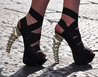 iris-schieferstein-scarpe-tacco-ossa