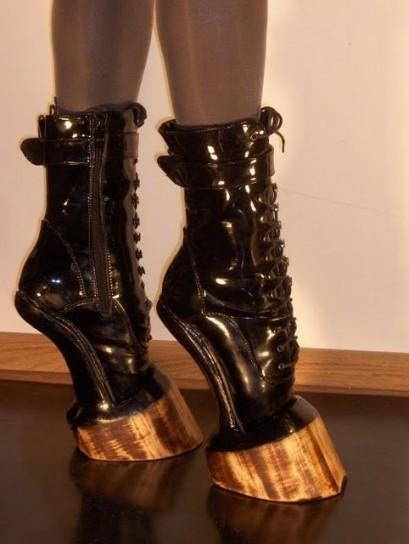 iris-schieferstein-scarpe-zoccoli