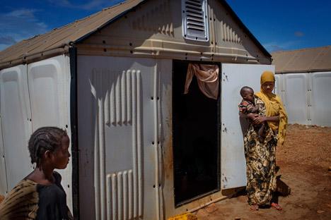 Better-Shelter-Ikea-Foundation-and-UNHCR_dezeen_468_7