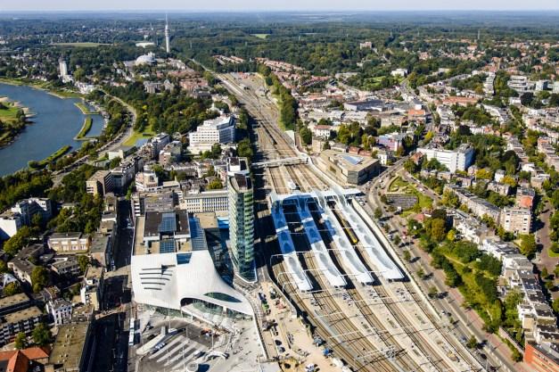 domus-03-unstudio-arnhem-central-station