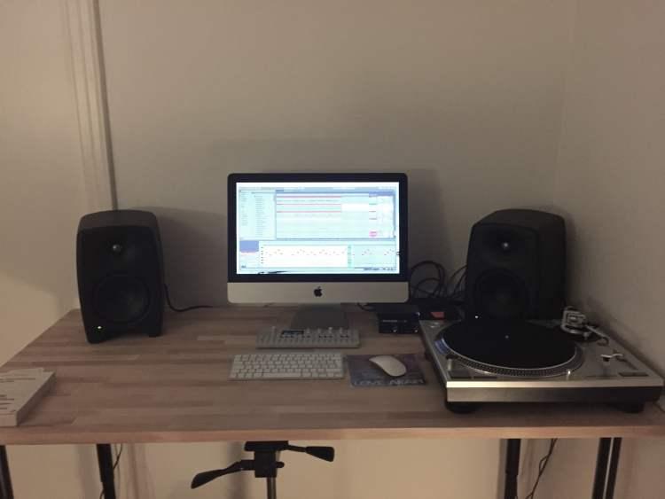 Vital Idiot home workspace