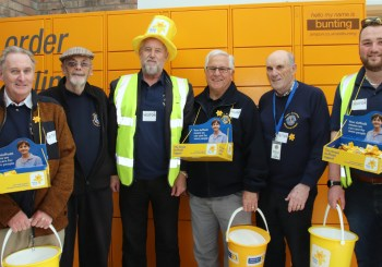 Lions out collecting for Marie Curie