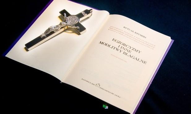 Ks. Jan Pęzioł dzieli się w książce doświadczeniami posługi egzorcysty
