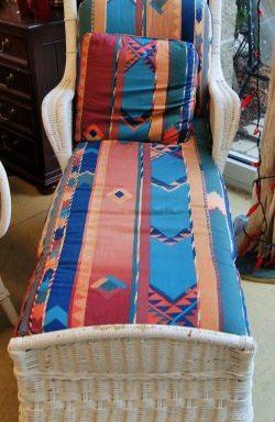Vintage White Wicker Chaise