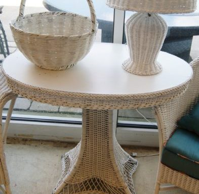 Vintage White Wicker Parlor Table