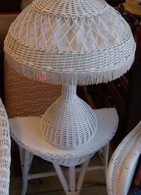 Vintage White Wicker Table Lamp