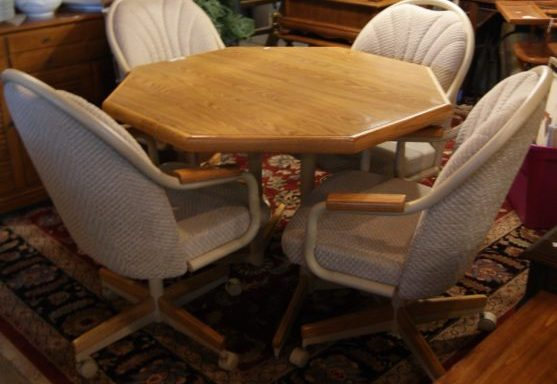 6 Piece Table and Chairs