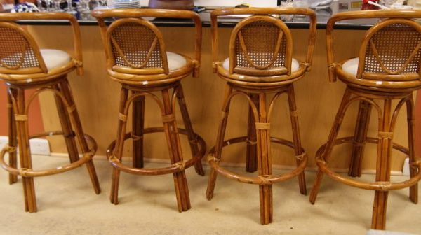 BAR/COUNTER STOOLS