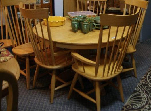 8 Piece Table and Chairs Set