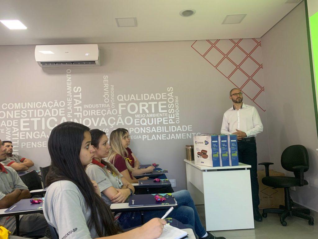 Comprometida em beneficiar seus colaboradores a WF Estruturas realizou no mês de setembro a associação a Cooperemb. Fundada em abril de 1974, a COOPEREMB está entre as maiores cooperativas de crédito do Estado de São Paulo, com objetivo de oferecer a melhor opção de crédito e investimento os associados, que hoje já ultrapassam o número de 17.000, apoiando-os na realização dos sonhos e promovendo melhoria na qualidade de vida.