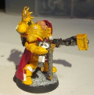Imperial Fists Space Marine Captain: Left view