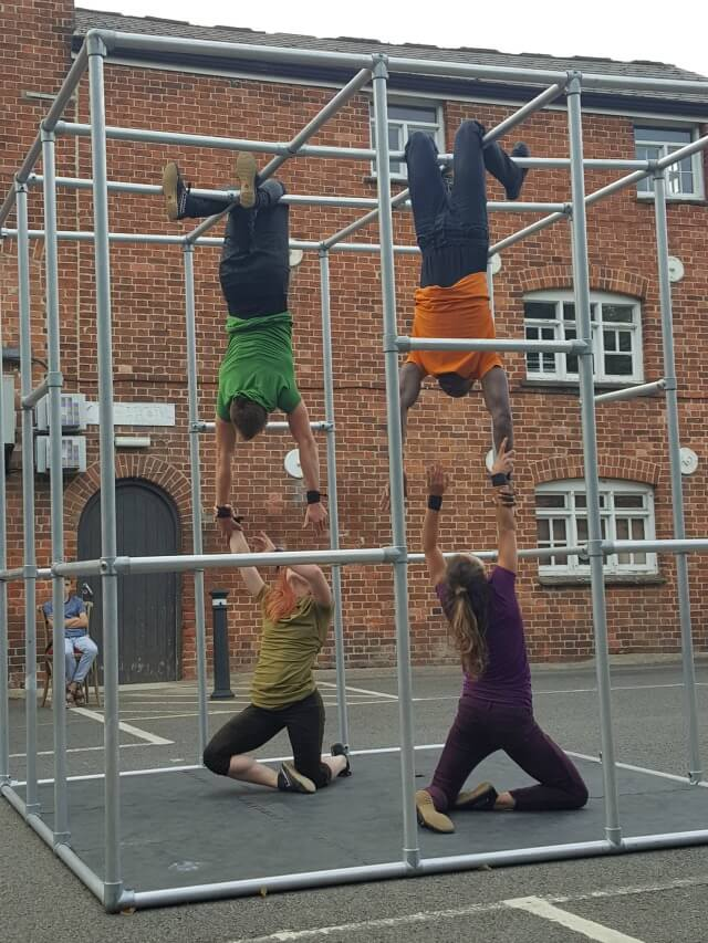Motionhouse dance theatre performing Captive