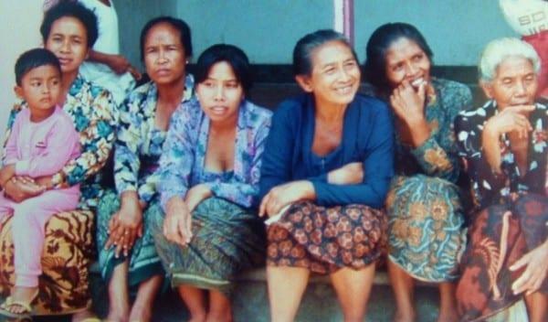 Balinese women and children
