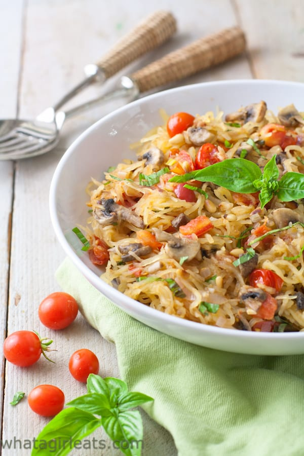 Paleo Spaghetti Squash with mushrooms, tomatoes and basil. Vegan and gluten free! Top 10 Healthiest Dishes Of 2016