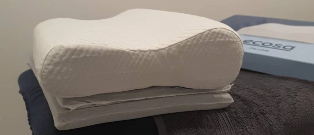 Ecosa Pillow with Elevation Pads