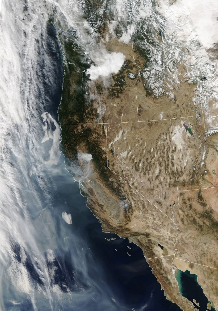 nasa tracks wildfires from above to aid firefighters below 1 - NASA Tracks Wildfires from Above to Aid Firefighters Below