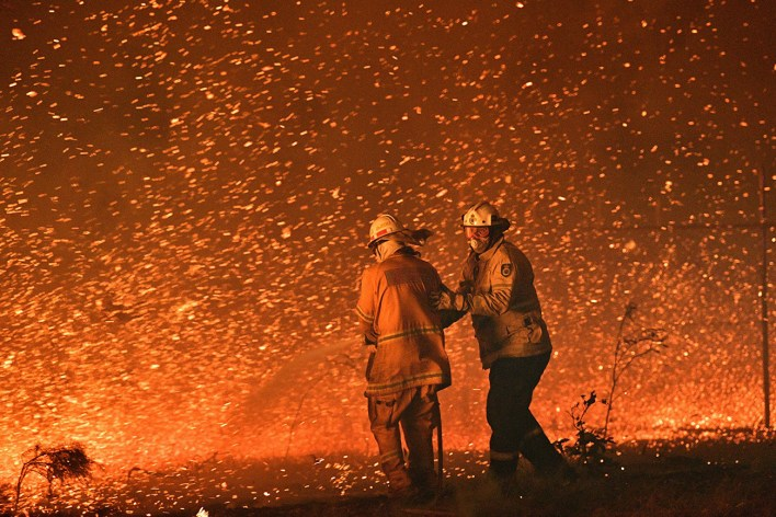 red sky flying embers australias fires are the first climate disaster of the decade 2 - Red sky, flying embers: Australia's fires are the first climate disaster of the decade