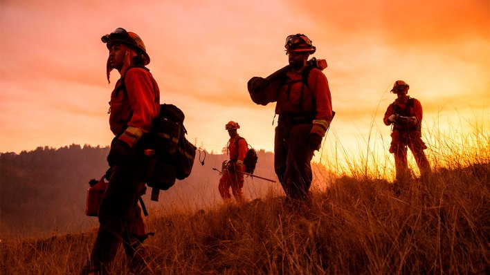 california inmates fight fires for pennies now they have a path to turn pro - California inmates fight fires for pennies. Now they have a path to turn pro.