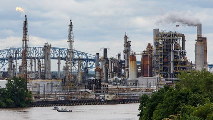 in a refinerys ashes hope for an end to decades of pollution 1 - In a refinery's ashes, hope for an end to decades of pollution