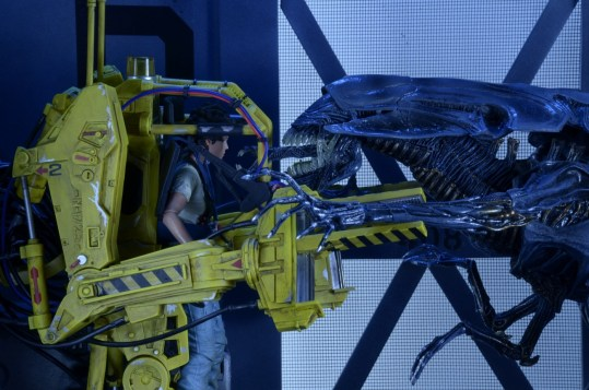 NECA-P-5000-Power-Loader-Deluxe-Vehicle-008