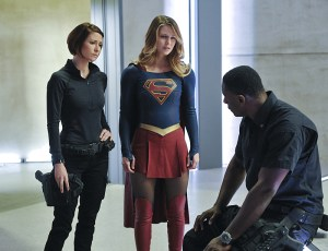 """Strange Visitor From Another Planet"" -- Kara (Melissa Benoist, center) must help Hank (David Harewood, right) face his painful past when a White Martian, a member of the alien race that wiped out his people, kidnaps Senator Miranda Crane, an anti-alien politician, on SUPERGIRL, Monday, Jan. 25 (8:00-9:00 PM, ET/PT) on the CBS Television Network. Also pictured: Chyler Leigh (left) Photo: Darren Michaels/Warner Bros. Entertainment Inc. © 2015 WBEI. All rights reserved."