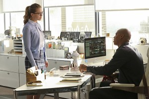 """Falling"" -- Kara turns on her friends and the citizens of National City after being exposed to Red Kryptonite makes her malicious and dangerous, on SUPERGIRL, Monday, March 14 (8:00-9:00 PM, ET/PT) on the CBS Television Network. Pictured left to right: Melissa Benoist and Mehcad Brooks Photo: Michael Yarish/CBS ©2016 CBS Broadcasting, Inc. All Rights Reserved"