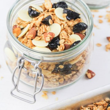 Cherry Bakewell Granola | What Charlotte Baked